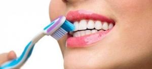 مراقبت از دندان ها و لثه